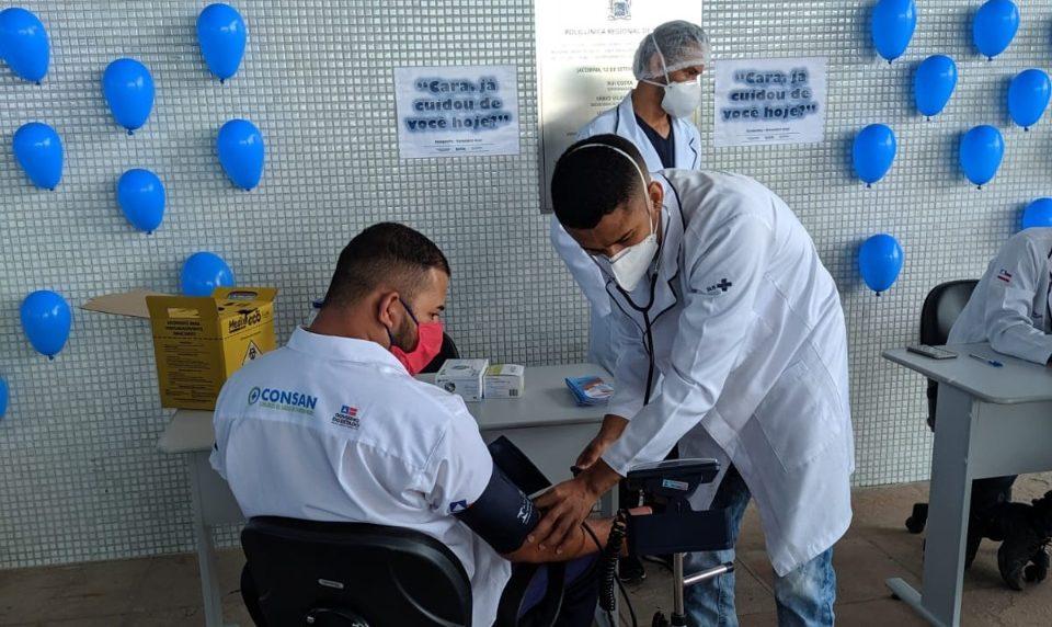 Com a colaboração do GTH, para a campanha do Novembro Azul, a equipe de enfermagem realizou atendimentos em estande de serviços básicos de saúde, dinâmica com os pacientes e entrega de brindes.